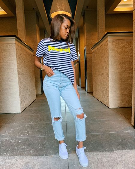 it's no secret that I wear a lot of jeans, and lately my preferred fit has become mom jeans. and I actually never imagined I'd like their fit because I didn't think they'd be flattering for my petite figure. stay tuned tomorrow, I'll be sharing how I'm styling a few of my favorite pairs!   in the mean time, you can shop this full casual look here http://liketk.it/2Qnkh #liketkit @liketoknow.it