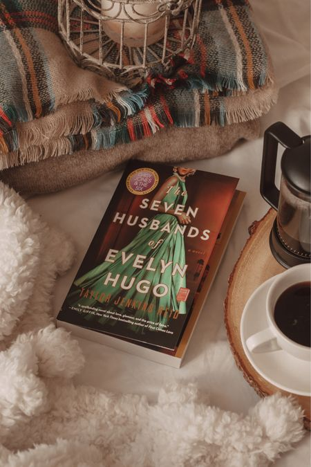 The Seven Husbands of Evelyn Hugo is an incredible novel with so much drama that you'll be hooked from beginning to end 📖 http://liketk.it/375Yj @liketoknow.it #liketkit #StayHomeWithLTK #LTKhome