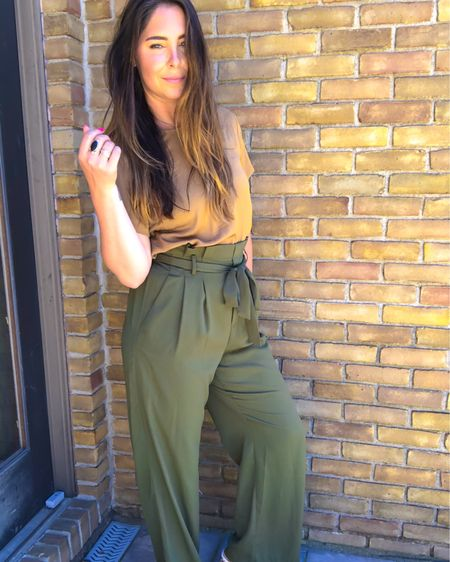 Loving these pants with this top, also tried it in a pink salmon color and loved that too! http://liketk.it/2Qeq9 #liketkit @liketoknow.it #LTKunder50 #LTKstyletip #LTKsalealert