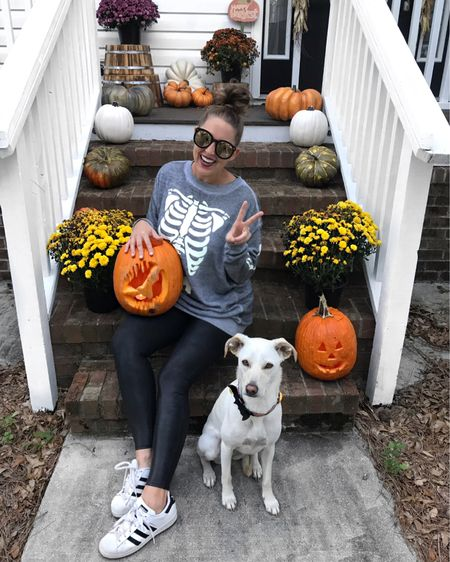 I win!!!! 🦇 Thank you to all that voted! I won by a landslide on Facebook, & over a thousand of you chimed in here & I took the win 61% to 39%! If you check out Luna's collar, you'll see a resemblance of my pumpkin! 🤗 Matt won last year, so this feels good! @liketoknow.it http://liketk.it/2xZ76 #liketkit #LTKunder100 #LTKunder50 #LTKshoecrush #halloween