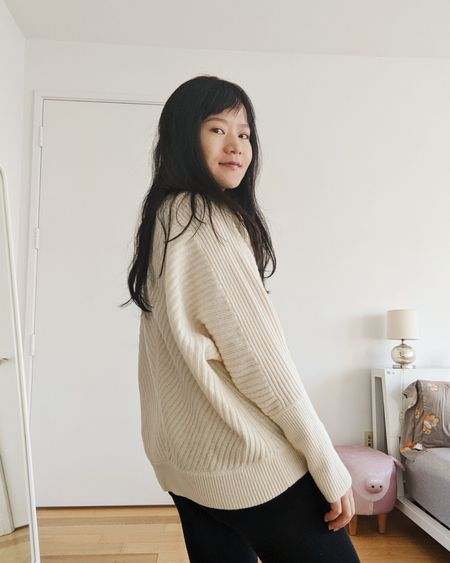 Cozy white sweater #winterwhite #cashmere #ribbedsweater #dolmansleeves http://liketk.it/34gbT @liketoknow.it #liketkit #LTKgiftspo #LTKstyletip #LTKunder50 #LTKunder100