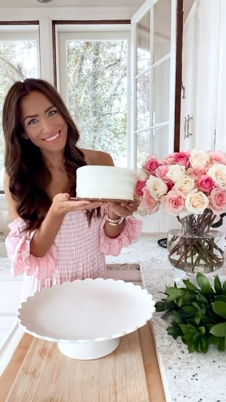 Happy #FloralFriday! Today, I'm sharing some affordable party tricks, like how to turn a store bought cake into a cake that looks custom! 🌸  #LTKunder100 #LTKhome #LTKunder50