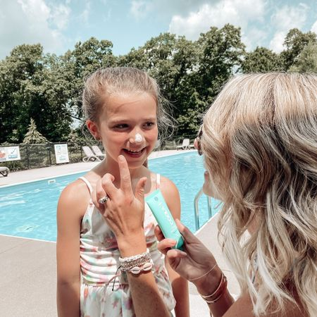 """Summertime Jenna is basically one big!episode of """"tell me you love @COOLA without telling me you love COOLA"""" 😅 you can bet I've got some kind of COOLA sun-protection product on me at any given time. Just last weekend, I was blowing all the other moms' minds with the Scalp & Hair Mist at the pool 🤯😉  Sun protection should be head-to-toe, and you can bet there's a COOLA product for that (and it's organic👌🏻)  You can swipe >> for a few of our most-used products: * the Classic Face Lotion SPF 30 (also freaking love the Water Cream and Water Mist) * the Classic Liplux SPF 30  * the Classic Stick SPF 30 * the Classic Sunscreen Spray SPF 30, and the tropical coconut scent is everything 🥥  You can use code: HEYITSJENNA20 for 20% off at COOLA.com (this is good for ONE time, so make it a good time, ja feel? 😉) #COOLAPARTNER #COOLA http://liketk.it/3jOOC #liketkit @liketoknow.it"""