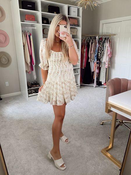 Dress - medium SIDNEY15 for 15% off! @liketoknow.it http://liketk.it/3hCHz #liketkit #LTKunder50 #LTKstyletip #LTKshoecrush   Puffy sleeve floral dress Summer dress Babydoll dress  Summer outfits  Vacation outfits  Wedding guest dress / birthday dress / casual flowy dress