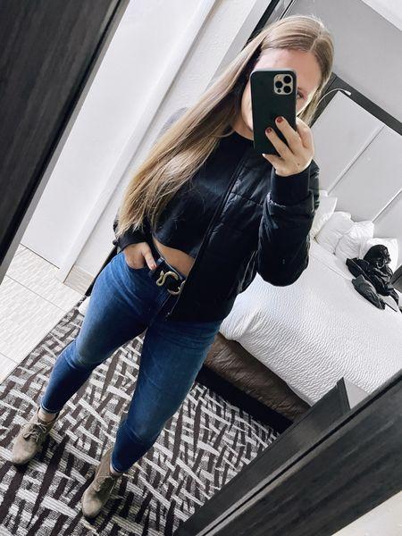 Nashville nights 🌟 You can never go wrong with a black crop top, statement belt and good fitting jeans. | Brands: lululemon, Madewell, Express, Jessica Simpson   #LTKunder50 #LTKstyletip #LTKcurves