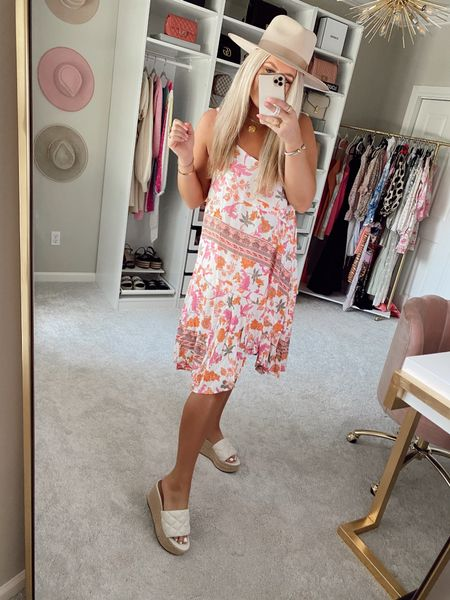 Dress - size medium Code SIDNEY15 for 15% off  @liketoknow.it http://liketk.it/3hCgf #liketkit #LTKunder50 #LTKstyletip   Floral print flowy midi dress Summer dresses  Vacation dress Casual dress / beach cover up  Casual outfit for summer Pink and orange dress