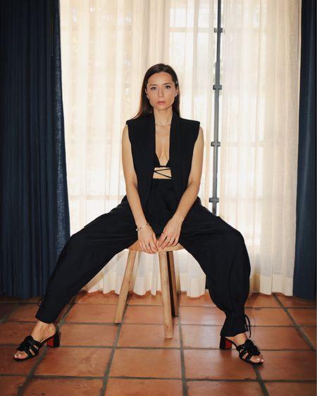 Summer suit   http://liketk.it/3ggCt #liketkit @liketoknow.it  #womenfashion #womenstyle #summerstyle #sleevelessblazer #sleevelessjacket #summersuit #minimalstyle