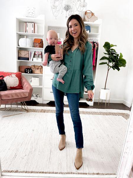 Green flowy blouse wearing xs jeans 24 short boots tts