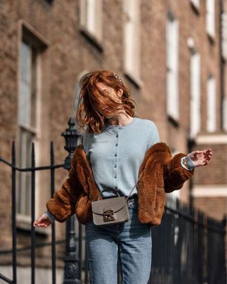 Jumping into the weekend 🐻💙 with my new favourite cardigan in soft blue ✨ Shop your screenshot of this pic with the LIKEtoKNOW.it app @liketoknow.it http://liketk.it/2Auwq #liketkit @liketoknow.it.europe #LTKeurope #LTKitbag