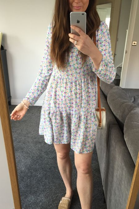 Spring outfit, spring trends, spring 2021, spring dresses, floral dresses, Asos, Asos dresses, Asos sale, yellow, yellow jumper, knitwear, spring knitwear, spring transition outfit, H&M, H&M jumper, H&M jeans, knitwear outfit, joggers outfit, lilac outfit, lilac joggers, Lee jeans, Lee H&M http://liketk.it/3cdt0 #liketkit @liketoknow.it @liketoknow.it.europe #LTKSpringSale #LTKeurope #LTKunder50