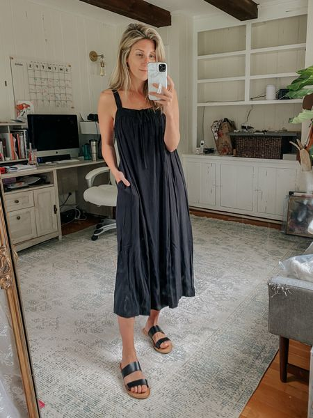 Target dress that works with a bump and for breastfeeding mamas!