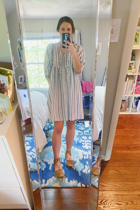 Another affordable target dress for the win!! I love this style so much that I have it in two prints. This is a small which fits great, and I love the length for work! @liketoknow.it #liketkit #LTKunder50 #LTKunder100 http://liketk.it/3eqYh