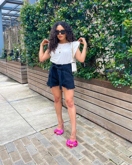Linked these black paper bag shorts, gold chain necklace, white crossbody bag, oversized black sunglasses, and statement heels 💗 http://liketk.it/3eDuF @liketoknow.it #liketkit #LTKshoecrush #LTKunder50 #LTKunder100