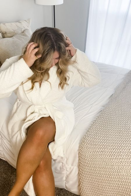 white luxury robe, barefoot dreams dupe