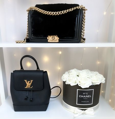 To display my bags I alternate them being on display on these white free standing shelves. With a fairy light curtain behind the shelves it really makes the display look magical ✨  #Chanelbag #Chanelboy #LouisVuitton  #LTKhome #LTKstyletip