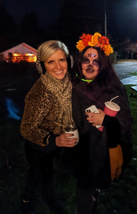 """First annual """"Nightmare on Lakeside Drive Halloween Block Party"""" My hood knows how to party 🎃💀🧡👻"""