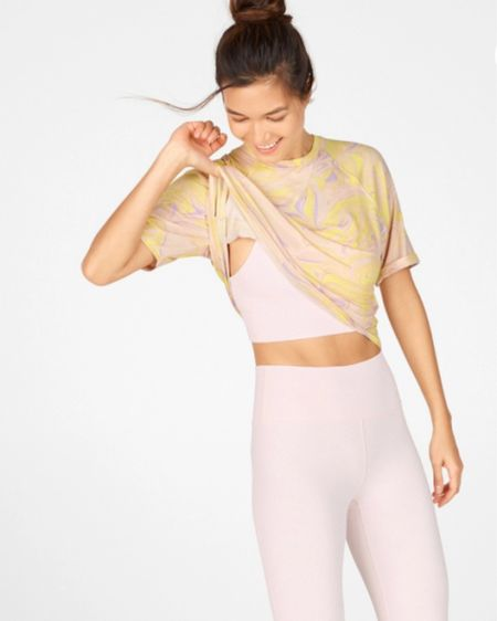 I am loving this tye-dye top, light pink sports bra and leggings from Fabletics! Everything fits true to size and are so comfortable! This is such a cute springy outfit that can handle my high intensity workouts! Click here to shop this outfit now! http://liketk.it/39NuE #liketkit @liketoknow.it #LTKfit #LTKstyletip #StayHomeWithLTK Follow me on the LIKEtoKNOW.it shopping app to get the product details for this look and others