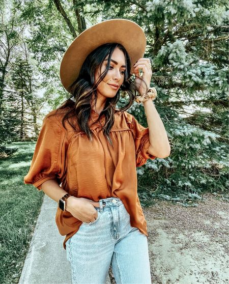Stop in and shop Versona for their grand re-opening! now through Sept 27th! They are giving away 10- $50 gift cards and a $250 gift card, SO many cute fall pieces out! #LTKSale   #LTKunder50 #LTKstyletip #LTKsalealert