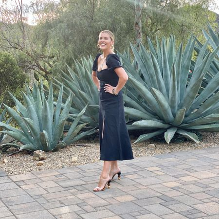 Aside from desperately needing a mani/pedi, California Coco is doing just fine 💁🏼♀️🌵😍// Ps found these shoes still in stock! Linked here along with this gorgeous linen dress (it also comes in white & would be perfect for bridal festivities!)👉🏼 http://liketk.it/3iYNI #liketkit @liketoknow.it #LTKshoecrush #LTKstyletip #LTKtravel #KERRentlyWearing #MalibOONAN