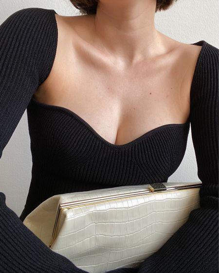 neckline of the season 🔥  http://liketk.it/3cics #liketkit @liketoknow.it #LTKstyletip #LTKeurope