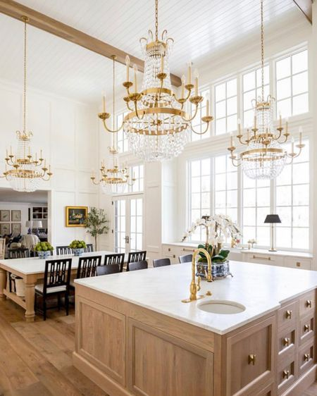 I can't believe these transformation photos! What is your favorite part about this kitchen by @the_fox_group_  The chandeliers make such a statement! 😍 Saved under our 'Chandeliers' highlight we have linked gorgeous light fixtures catered to several different styles! All links will also be in our bio!  . . . 📷: @the_fox_group_   http://liketk.it/2XHJd #liketkit @liketoknow.it  #simplystyleyourspace #interiordesign #home #organization #butlerspantry #pantryorganization #pantry #pantrygoals #organization #pantrydesign #pantrychallenge #pantrymakeover #organizedpantry #pantrylabels  #houseenvy #luxuryhomes #customehomes #homedesign #interiorinspirations #paradeofhomes #imaremodelaholic #builtins #falldesserts #fallbaking
