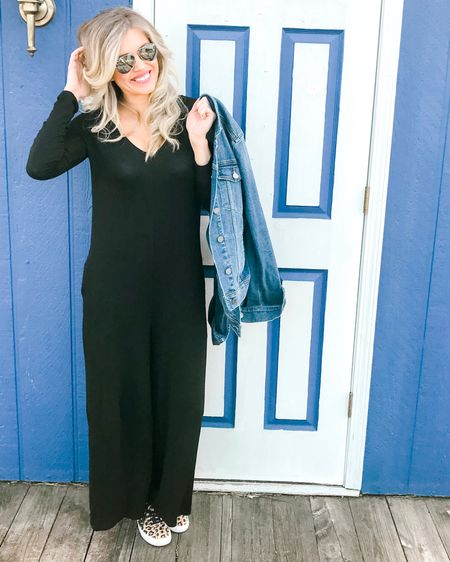 This jumper is everything and under $40! Lightweight, comfy, has POCKETS and a hood. LOVE!!!!!! http://liketk.it/2Ayji #liketkit @liketoknow.it #LTKunder50 #LTKstyletip