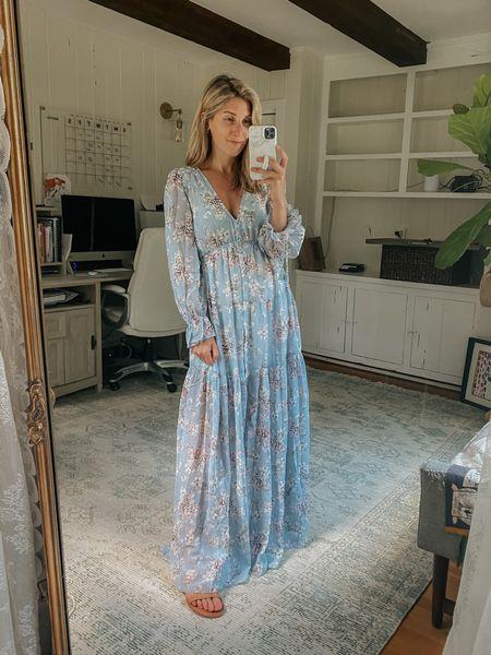 Bump and nursing friendly dress / gorgeous for photos!