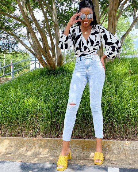 Feeling and like my best self and just in time for my birthday 🤍   Found some new goodies for my big day and international trip from @express! Check out these jeans (style 07190402) and similar styles on my @liketoknow.it and Express' LTK.  By the way, too and sunnies are Express, too. #expresspartner #expressyou   You can instantly shop my looks by following me on the LIKEtoKNOW.it shopping app - http://liketk.it/3iPN9 #liketkit #charissestyles #fashionblogger #fashioninfluencer #affordablefashion #summerstyles #fashionforward #skinnyjeans #rawjeans #charlotteblogger #charlotteinfluencer #discoveryunder5k