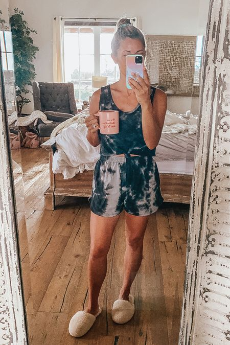 Happy Friday!! Outfit is Target and $25 together! @liketoknow.it Shop my daily looks by following me on the LIKEtoKNOW.it shopping app http://liketk.it/3jRA9 #liketkit #LTKstyletip #LTKsalealert #LTKunder50