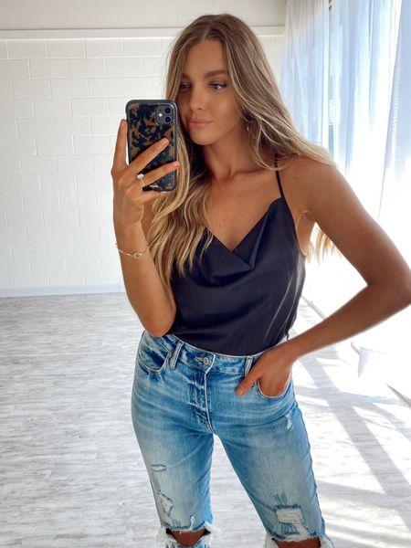 Makeup summer, beauty, silk top, tortoise phone case, distressed denim jeans, emily Gemma sweetest thing gorjana gold dainty bracelet http://liketk.it/2R9vS @liketoknow.it #liketkit #LTKstyletip #LTKunder50 #LTKbeauty