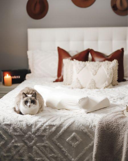 Linking all of my bedroom decor here ❤️🛍 http://liketk.it/35uyf #liketkit @liketoknow.it