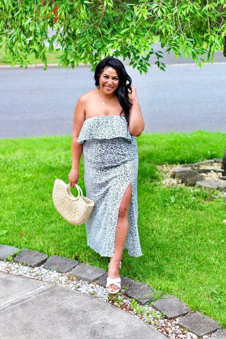 Amazon fashion finds! Dress (XL) is only $27 + shoes (size down) are $22! Linked the purse + necklace from amazon too #liketkit @liketoknow.it http://liketk.it/3gHBK #LTKcurves #LTKstyletip #LTKunder50