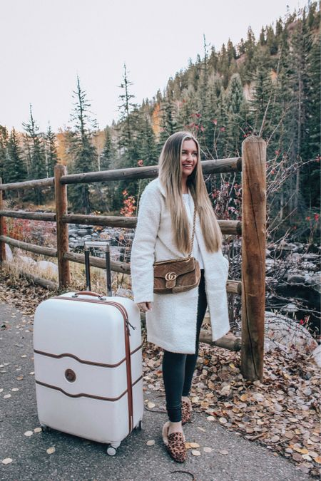 After 3 canceled honeymoon trips we finally decided to come back to one of our favorite places!!! 🏔🍁 READY to honeymoon with my hubby🤩  head to toe in @targetstyle & this coatigan is SO comfy & lightweight for travel!!🙌🏼 📱 Shop my travel look with the link in my bio. http://liketk.it/2YECp @liketoknow.it #liketkit