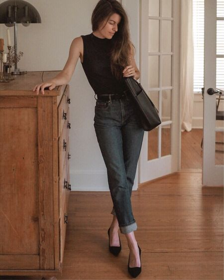 Ad | When fall is on the horizon (but not quite here yet), I start looking for transitional clothes — items that channel fall through texture and color, but are still breezy enough for the last of the summer heat. Today, I'm sharing 5 transitional items from @everlane to jump start your fall wardrobe. Link in profile. #everlane #damngooddenim  http://liketk.it/2EgZp #liketkit @liketoknow.it