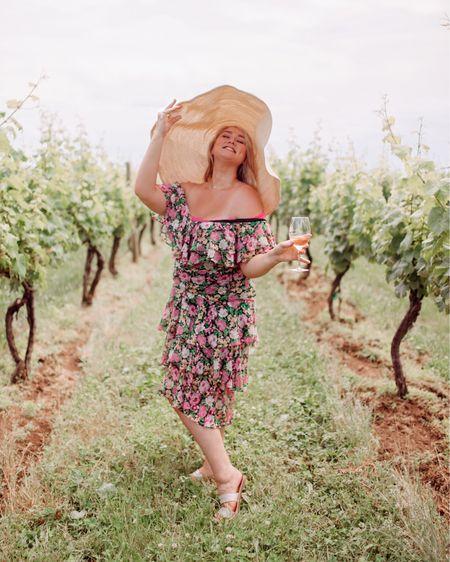http://liketk.it/2D4hZ #liketkit @liketoknow.it wölffer winery was such a dream...🍷