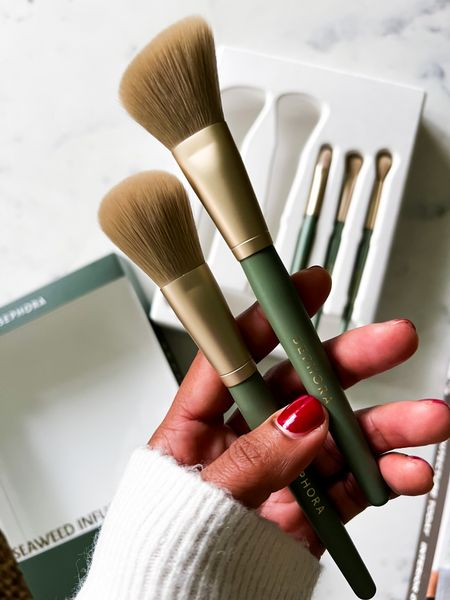 OK these brushes are genius.  They are vegan and infused with seaweed for a dose of antioxidants, plus the brushes come in an eco friendly molded paper-pulp tray. And they aren't just pretty to look at - they're super soft!    #LTKHoliday #LTKGiftGuide