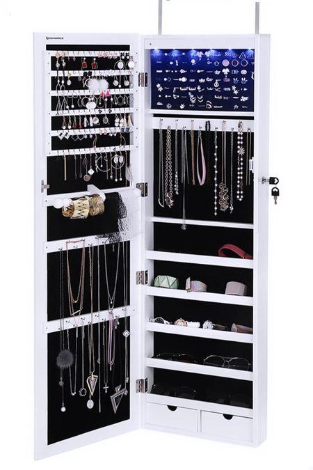 My fave new tool for organizing my jewelry. http://liketk.it/2zKfU  #liketkit @liketoknow.it