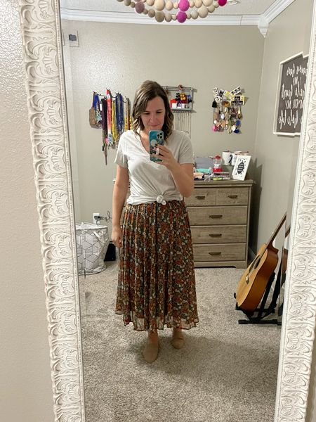 This floral midi skirt is great with a basic white feel but you can also pull so many colors out of it to match too!  #LTKbacktoschool #LTKunder50 #LTKstyletip
