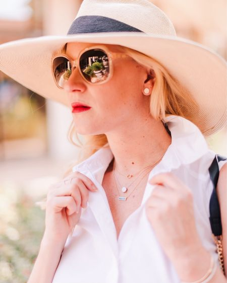 That Friday feeling 🙌🏻 Do any of you have fun plans for this weekend?! These gorgeous necklaces are from @leemichaelsjewelry - they're so fun to layer! Shop my look with @liketoknow.it http://liketk.it/2xWj8 #liketkit #LTKunder100 #LTKunder50 #LTKstyletip #LTKbeauty