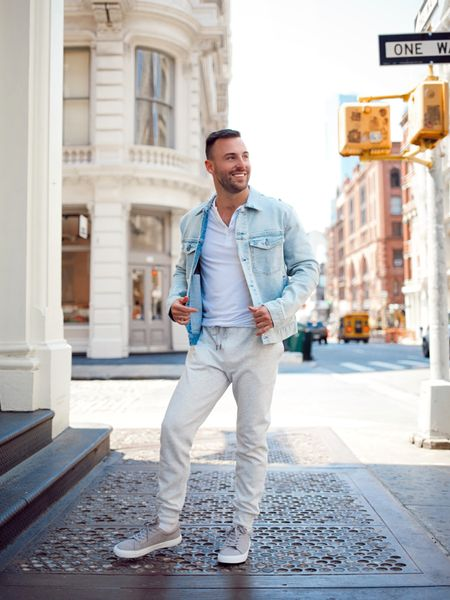 Comfortable and cool for the start of the summer in my full @express look! ☀️ Shop the whole outfit via http://liketk.it/3ihqM or swipe up in my stories #expresspartner #expressyou #liketkit @liketoknow.it #LTKmens