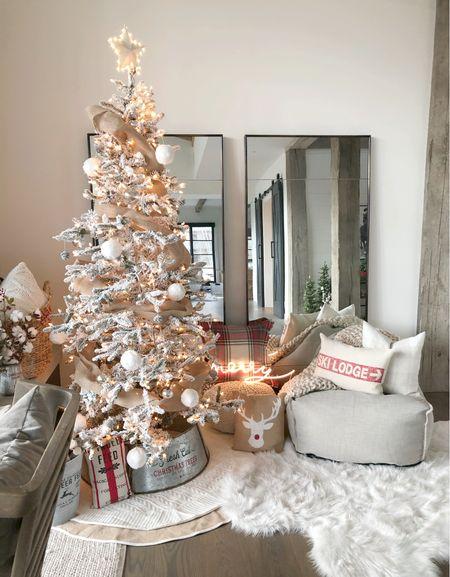 H O L I D A Y \ farmhouse Christmas corner✨  #christmastree #christmasdecor #farmhouse #holidaydecor  #LTKhome #LTKHoliday