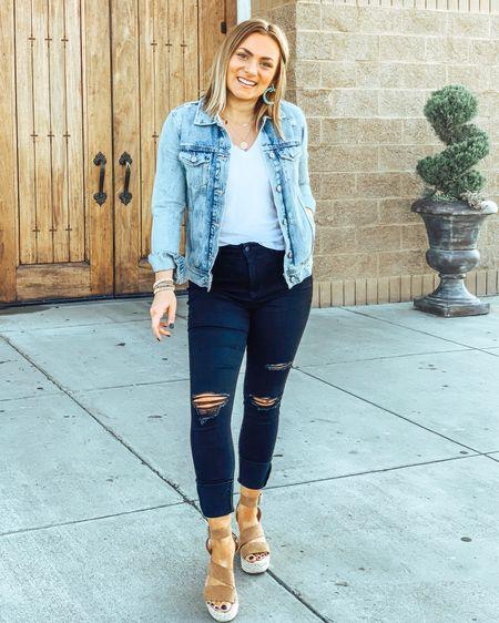 When you're short AF so you have to fold your jeans up super high. 😂   http://liketk.it/2EdtU #liketkit @liketoknow.it #LTKsalealert #LTKshoecrush #LTKspring #LTKstyletip #LTKtravel #LTKunder100 #LTKunder50