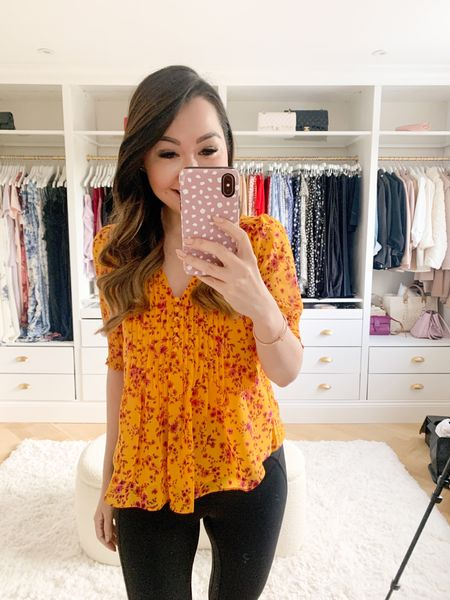 My current favourite top 😍 Golden yellow with the perfect autumn fall floral print! 🍁 Great for both Zoom calls and date nights! 🥰  Wearing an XS with a size 4 in my everyday leggings 😍