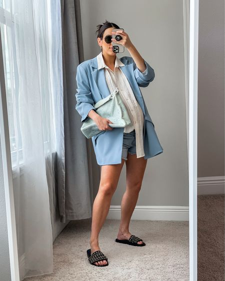 This amazing blue blazer is still in stock in most sizes and currently 40% off using code 40OFF !! 😱  It also has matching trousers, so I would definitely recommend picking those up as well!   🛍All direct links to shop this outfit and similar pieces are located in my bio!  Happy Friday! 💙   http://liketk.it/3hSLD #liketkit @liketoknow.it   . . . . . #pregnancystyle #pregnancyfashion #maternityfashion #maternitystyle #bumpstyle #bumpfashion #zarashirt #37weekspregnant #thirdtrimester #thebump #bumpshell #whowhatwearing #lornaluxexinthestyle #lornamademedoit #inthestyle #asseenonme #blazerstyle #lornaluxe #oversizedblazer #bluesuit #chanelsandals #lornaluxeinthestyle #zaranewin #chanelslides #chanelvintage #vintagechanel #chaneldenim #chaneldenimbag #LTKbump