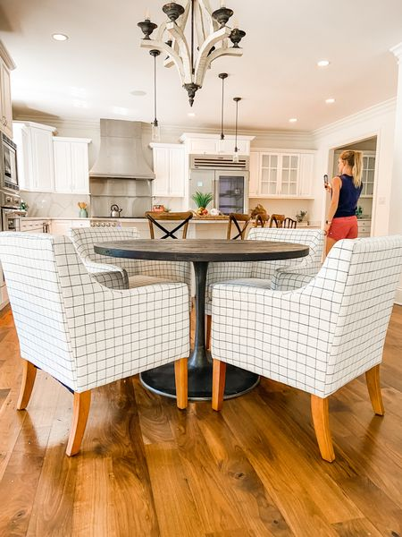 These target armed dining chairs pair great with the metal tulip table.  Kitchen table, dining chairs, dining room decor, dining table, modern farmhouse dining   #LTKhome