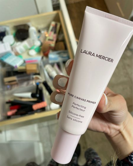 So obsessed with this face primer. It's the only primer that doesn't break out my skin or irritate it! It's super light weight and a pretty shade of very very light pink. #lauramercier #faceprimer #primer #byepores #poreless #beauty http://liketk.it/3bUAm #liketkit @liketoknow.it #LTKSpringSale #LTKsalealert #LTKbeauty   Shop my daily looks by following me on the LIKEtoKNOW.it shopping app