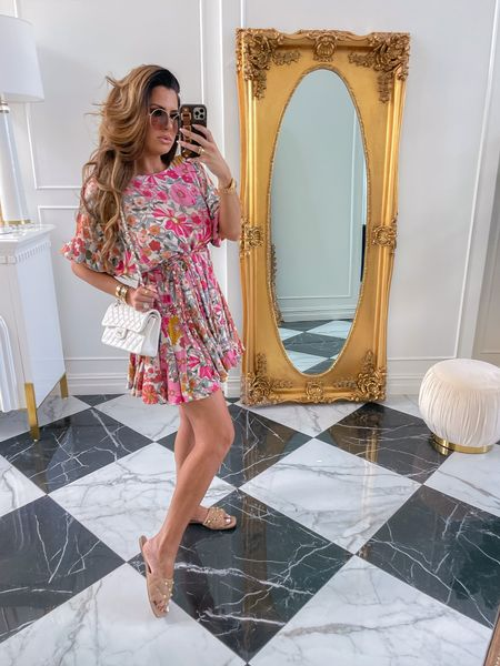 Red Dress Boutique, Try On Haul, Red Dress Top Picks, Best dresses under $100, Summer Dresses, Casual Summer Outfit Ideas, Summer date night outfits, best dresses to wear in the heat, Emily Ann Gemma, Emily Gemma, Summer Dress Try On Haul, White Handbag, Summer Handbag, Sunglasses