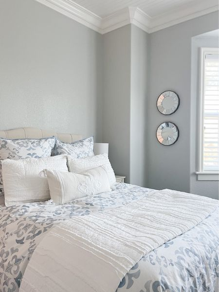 My parents guest room is looking so pretty! I'll never go back from Serena and lily bedding now :)     #LTKhome