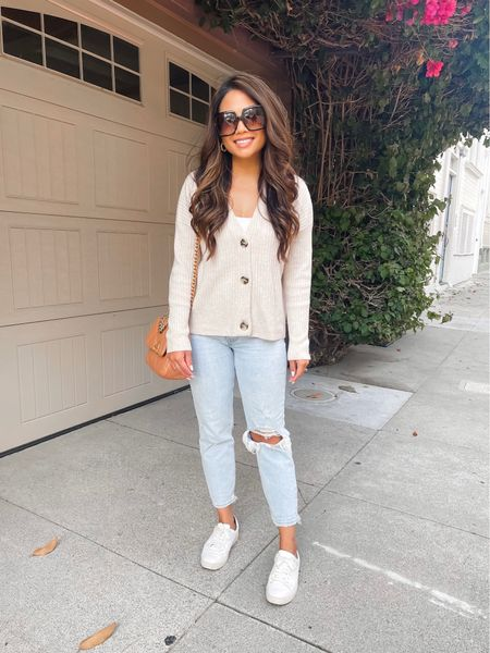 Date night outfit! My jeans are on sale for $60 and run TTS, wearing 25 short