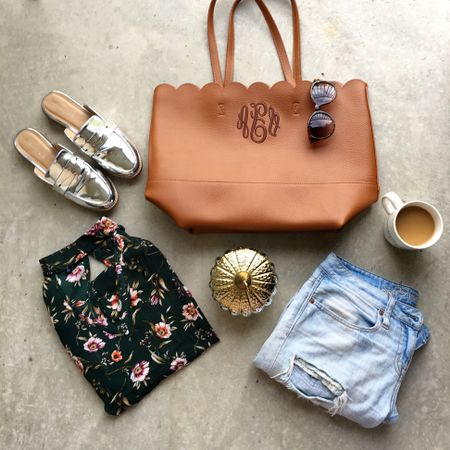 """Tuesday is for relaxed denim and pretty blouses! Currently obsessing over all of these goodies for fall! I finally updated my fall shopping picks over on the blog! Finally you guys can just click """"fall shop"""" and be able to shop all of my fall favorites! 🙌🏻 Like these metallic slides I snagged for basically nothing! 😍😩 make sure to swing over to #CAAB to shop all my fall favorites http://liketk.it/2sQpv #liketkit @liketoknow.it"""